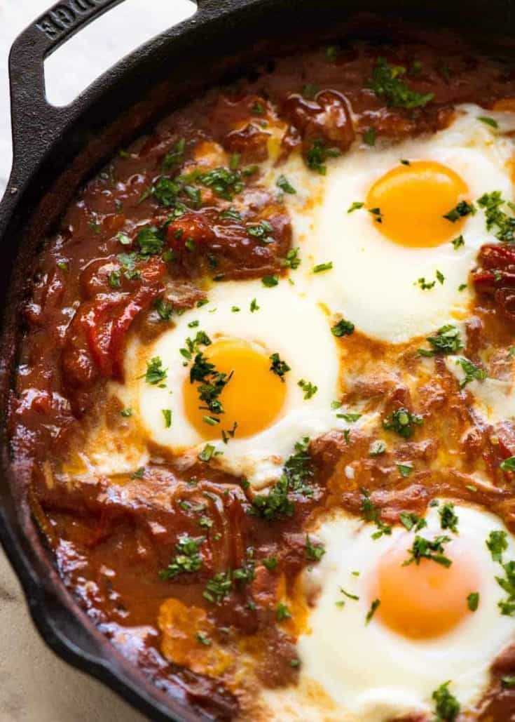Shakshuka (Middle Eastern Baked Eggs)
