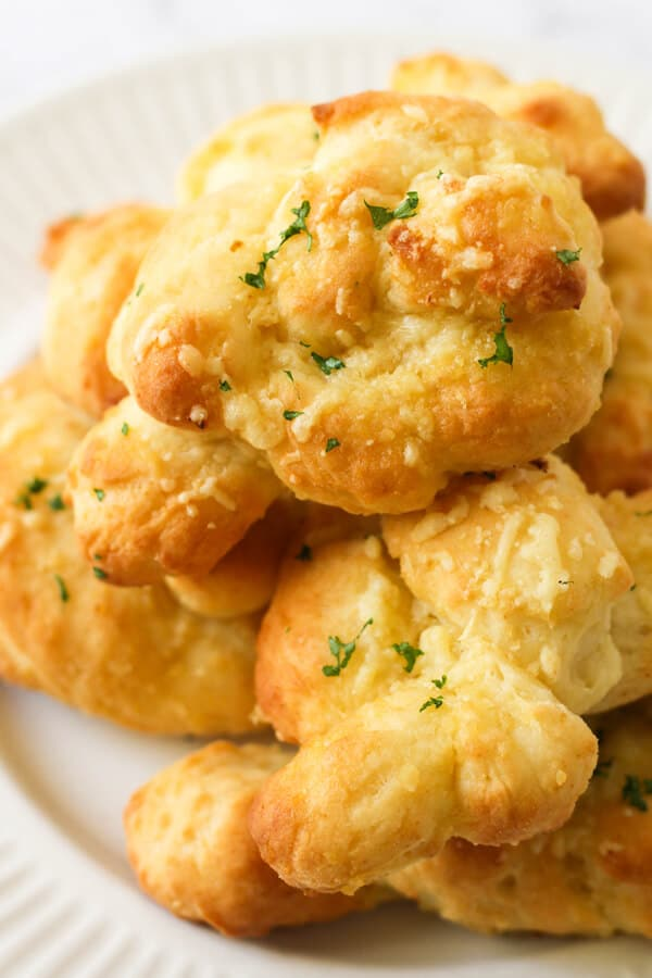 A plate of garlic knots.