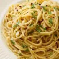 Spaghetti with Garlic and Oil (Aglio E Olio)