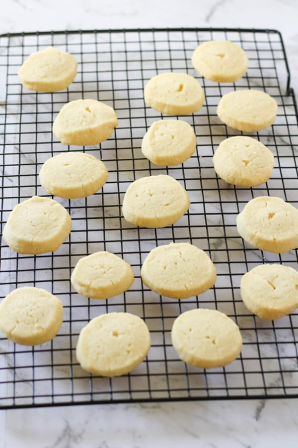 shortbread cookies on a wire rack.
