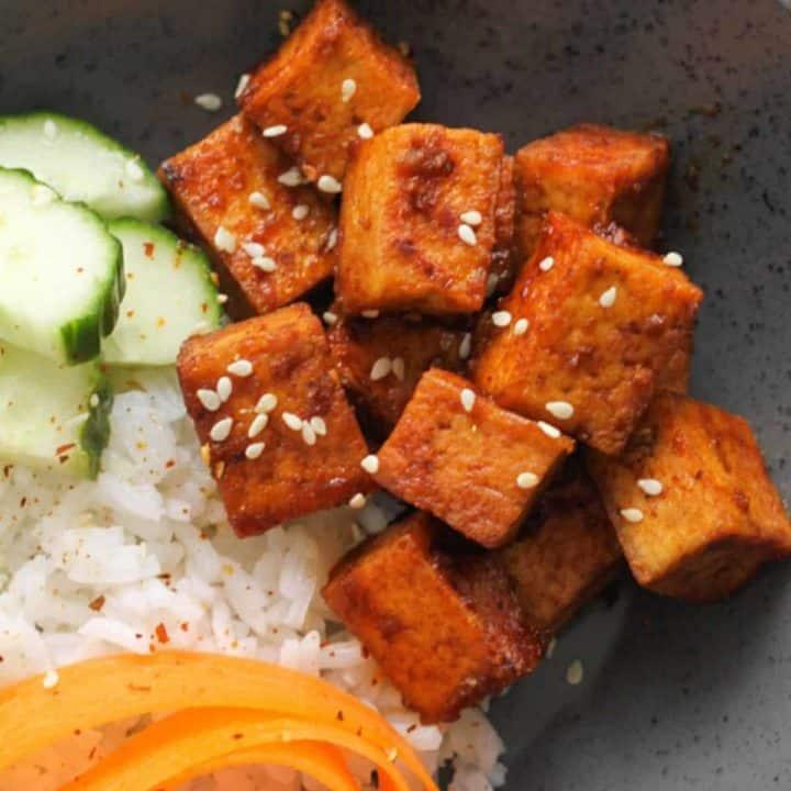 Pan-Fried Sriracha Tofu {Spicy Tofu}